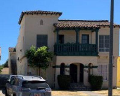 1022 W 64th St, Los Angeles, CA 90044 1 Bedroom Condo