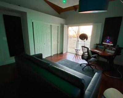 Music Recording Studio in Hills with Scenic View - Studio C, Studio City, CA