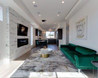 Crestview Modern Compound with Rooftop Decks, Los angeles, CA