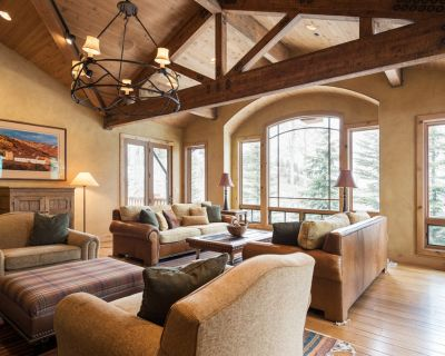 Ultra-luxe Ski-in/Ski-Out Mountain Retreat with Sauna, Hot Tub and Private Pool - Park City