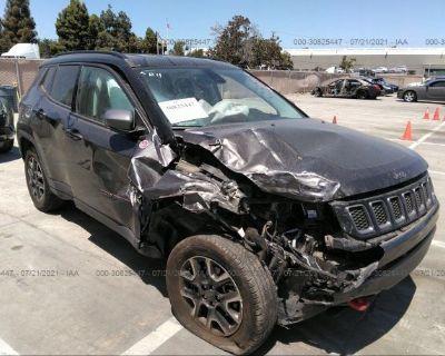 Salvage Gray 2019 Jeep Compass