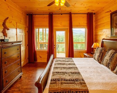 Greenbrier Estate - Twenty-Eight Bedroom Cabin - Pittman Center