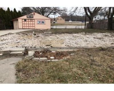 2.0 Bath Foreclosure Property in Des Plaines, IL 60018 - Welwyn Ave