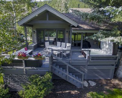 Modern Home - Best Deck in Eagle-Vail! Perfect For 2 Families - Eagle-Vail