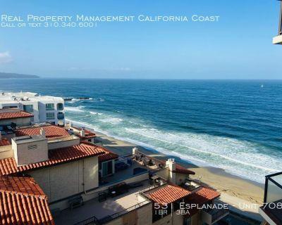Spacious Split Level Spacious Townhouse w/Stellar Ocean Views+2 Lrg Balconies on the Esplanade w/Pool+Gym+Laundry!