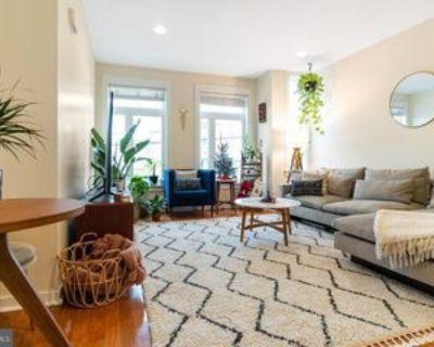 406 Queen St #B, Philadelphia, PA 19147 2 Bedroom Apartment