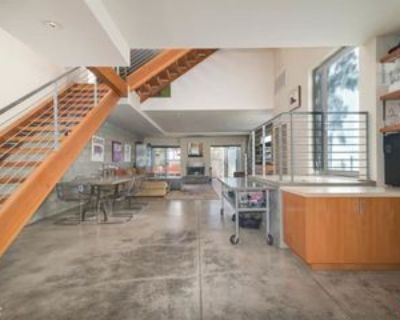 260 3rd Ave, Los Angeles, CA 90291 2 Bedroom Condo
