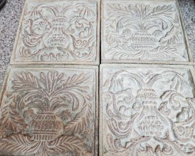 SET OF 4, CERAMIC WALL DECOR, EXCELLENT CONDITION, SMOKE FREE HOUSE