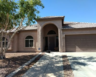 Large Mstr Suite w/ pvt entr, garage in Ahwatukee