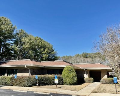 Free-standing Office Building In Choice Marietta Location