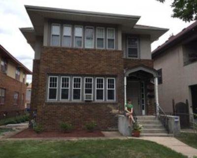795 Ashland Ave, St. Paul, MN 55104 2 Bedroom Apartment