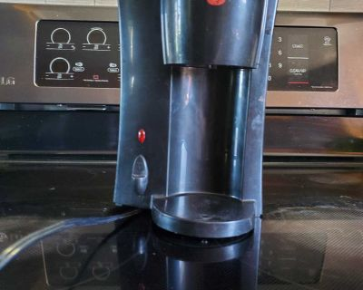 Black and Decker single cup coffee maker