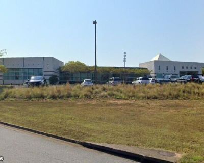 Airport Industrial for Lease