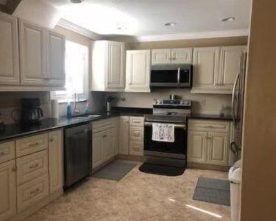 Clean & comfortable turn key 2 bedroom 2 bath condo - San Carlos Park
