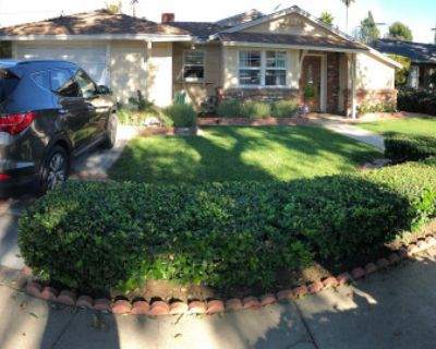 Spacious, Open Floor Plan, Ranch Style 4 bedroom House, Ready For filming!, Van Nuys, CA