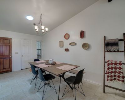 Southwest Patio Home in the Heart of Downtown Gilbert! - Gilbert
