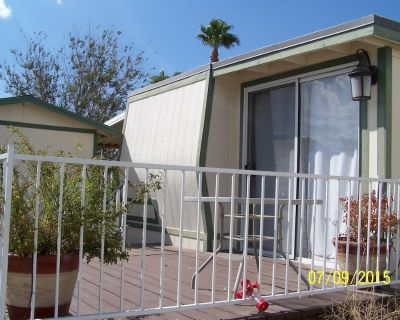 Affordable get away! Amenities, mountain views, and deck for a cozy stay! - Riverside County
