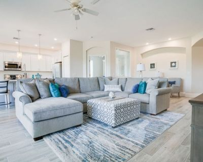 Gorgeous newly renovated condo in Spanish Wells Golf and Country Club. - Bonita Springs
