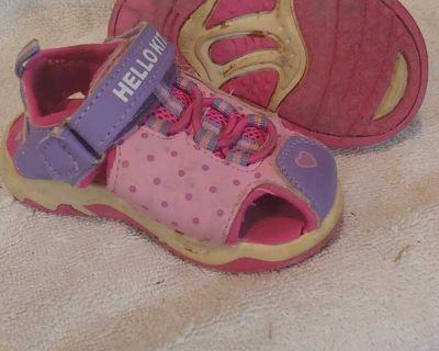 Size 5M Sanrio Hello Kitty sandal sneakers