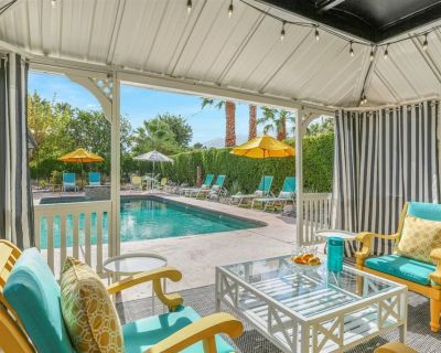 Sunshine on Sunrise Outdoor Resort Feel With Mid Century Mod Magic Inside. You'll Never Want to Leave Sunshine On Sunrise! - Palm Springs