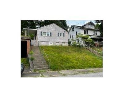 2 Bed 2 Bath Foreclosure Property in Barrackville, WV 26559 - 1/2 School St