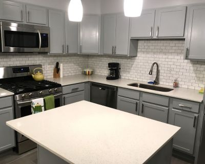 Central location & pool in summer! - Central Oklahoma City