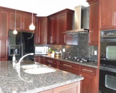 Cole St, San Francisco, CA 94117 3 Bedroom Apartment