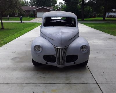 1941 Ford Sedan 2-door All-Steel Sedan V8