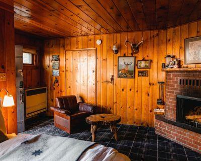 Squirrel's Nest at the Fireside Inn - Idyllwild
