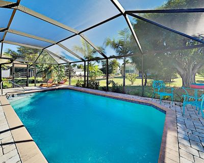 Surfside Oasis | Screened Lanai with Heated Pool, Alfresco Dining & Gas Grill - Pelican