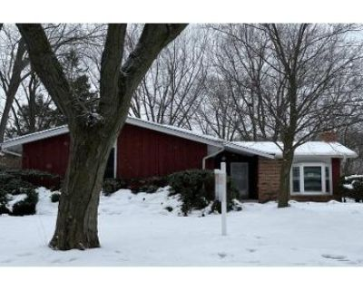 3 Bed 2 Bath Foreclosure Property in Milwaukee, WI 53225 - N 122nd St