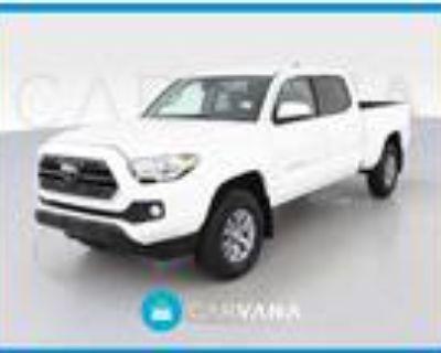 2018 Toyota Tacoma White, 52K miles