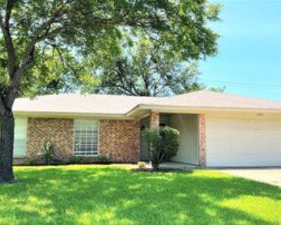 4700 Elkwood Ln #1, Arlington, TX 76016 3 Bedroom Apartment