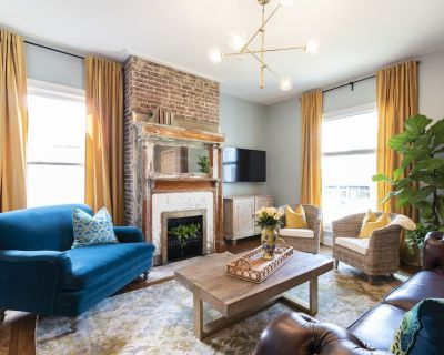 The Bookhouse 4 Bedroom Suites+ Foodie HQ +Shopping+2 Living Rooms - Bonnycastle