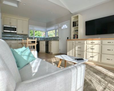 Charming Studio Retreat with Private Entry, Free 2 Park - Valley Glen