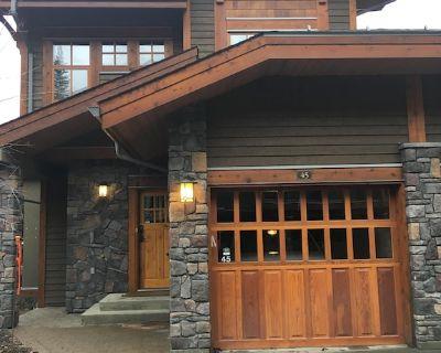 Spacious Ski In/Ski Out 4 Bedroom Condo At Sun Peaks - Sun Peaks