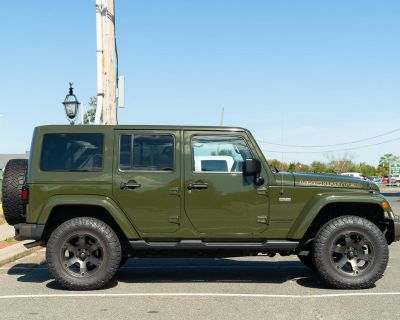 New York - FS: 2016 Wrangler Unlimited - 75AE - rare Sarge Green