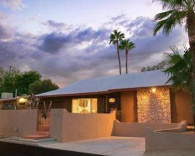 Private Entrance, Parking and Bath, Beautifully Remodeled - Peter Howell