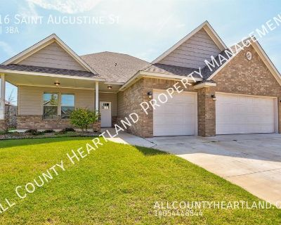 Like New home in Canterbury Addition & Mustang Schools!