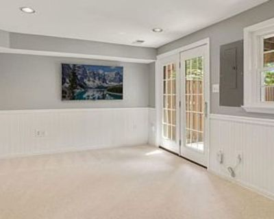Private room with own bathroom - Ashburn , VA 20147