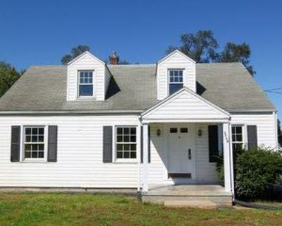 1718 Winchester Ave, Martinsburg, WV 25405 4 Bedroom House