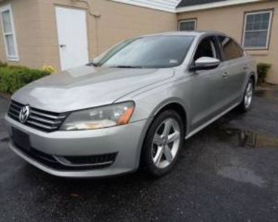 2012 Volkswagen Passat SE with Sunroof 2.5 Auto