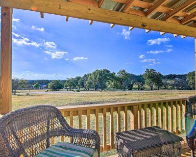 Ranch Cabin w/ Decks, 10 Mi to Fredericksburg - Fredericksburg