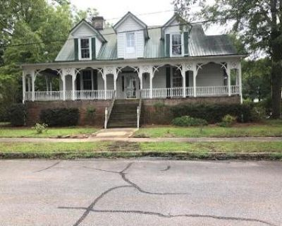 4 Bed 2 Bath Foreclosure Property in Johnston, SC 29832 - Jackson St