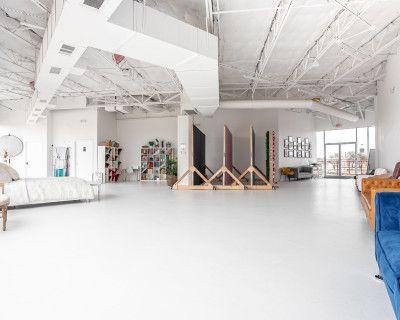 *NEW* White Industrial Natural Light Studio - 2,000 sqft, Carrollton, TX