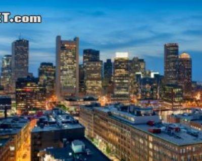 $4750 2 loft in Waterfront