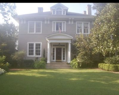 Beautiful 5 Bedroom/3.5 Bath House and Cottage Masters Rental 3 miles to course - Summerville