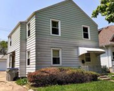 1315 N 54th St, Milwaukee, WI 53208 2 Bedroom Condo