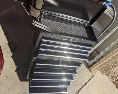 Black Rolling wheel tool chest, 13 drawers w/liners, locks, Excellent condition!