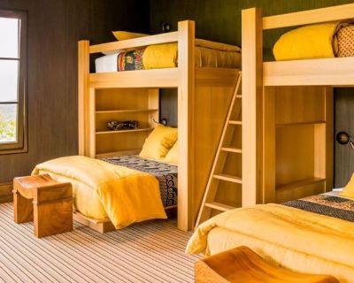 Shared room with shared bathroom - Santa Monica , CA 90402